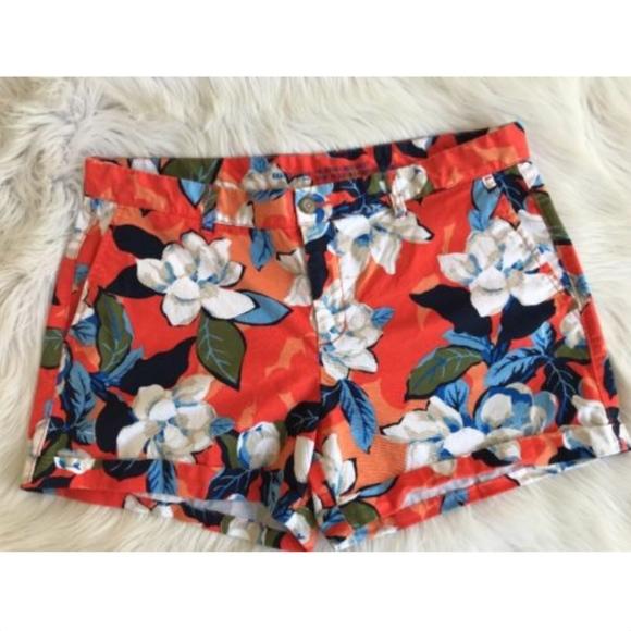 NWT Womens Khakis by GAP Girlfriend 4 Inch Short Cuffed Hem Shorts Yellow *V2